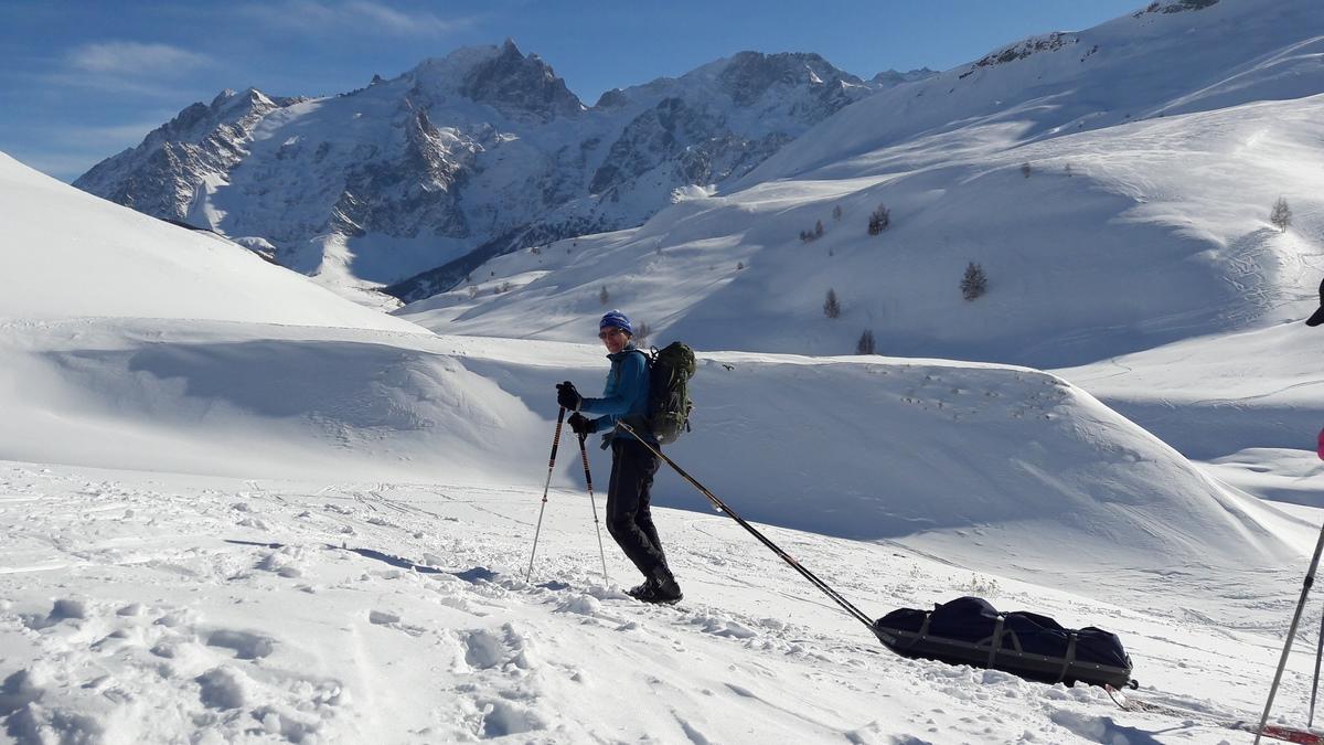 Je ne skie pas alors je …